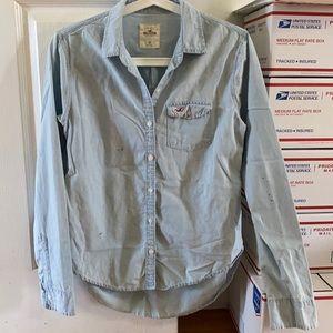 Hollister Light Blue Denim Button Up Shirt w/pkts
